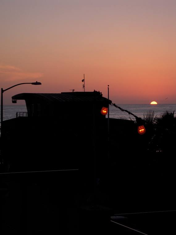 Photo Copyright Elliot Lozano 'Fade to Night' Pacific Beach, CA USA